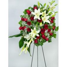 Corona de rosas y blancas
